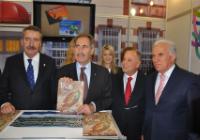 Bakan Günay, Travel Turkey Fuarında Standımızı Ziyaret Etti
